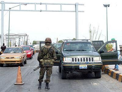 http://2.bp.blogspot.com/_Zw37rbPolF4/S4PzYSbLkPI/AAAAAAAAAgw/Ib5yxvoYMNQ/s400/reten-militar-ok.jpg
