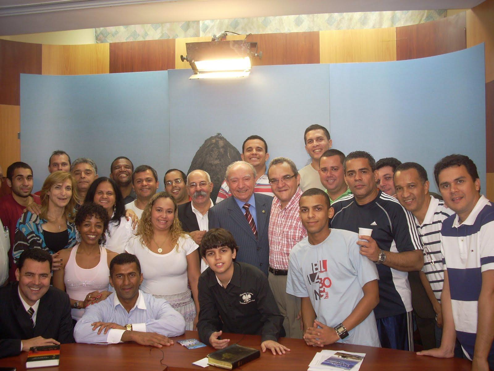 no dia de ontem com uma festa surpresa em meu escritório na Barra da