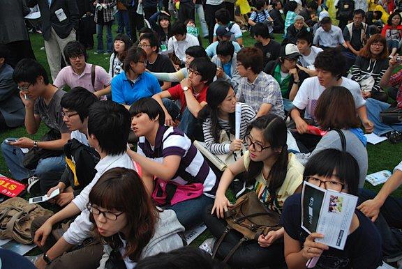 [Seoul_plaza_demonstration_students]