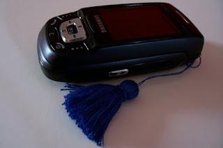 como hacer un colgante para el movil o celular