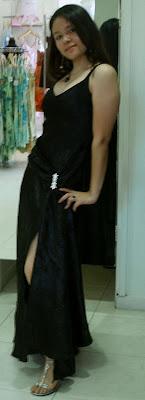 Si! Es Dana en vestido. Click para agrandar