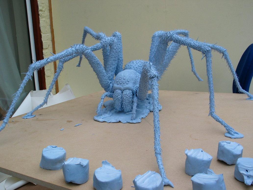 blu_tack_spider_details_by_lizthompson.jpg