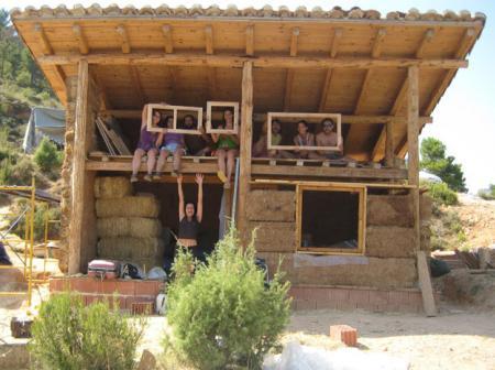 Casa Ecológica: Galerias de fotos de construcción de casas de balas ...