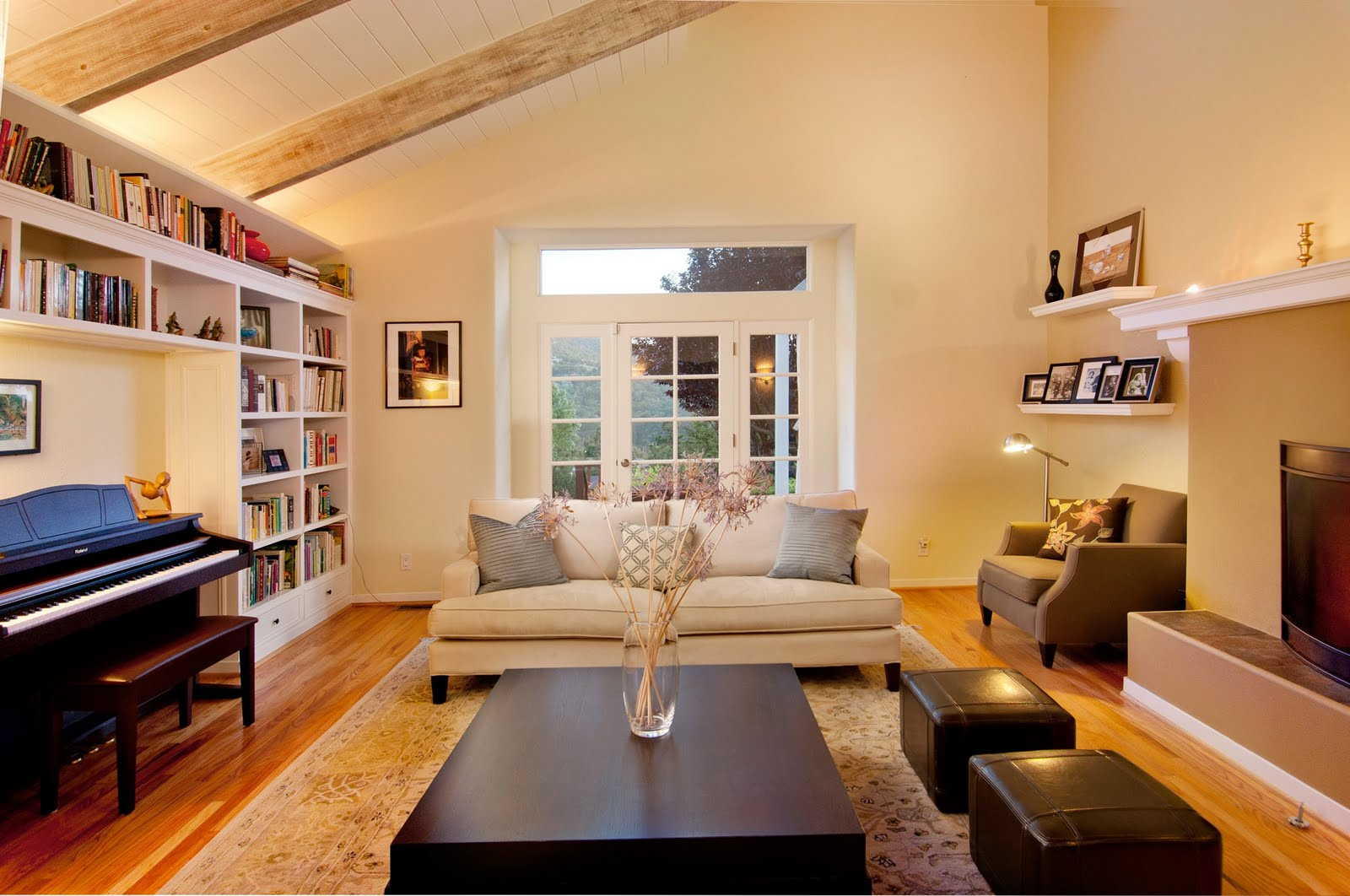 Carmel valley house sunny spacious and serene - Leather sofa arrangement in living room ...
