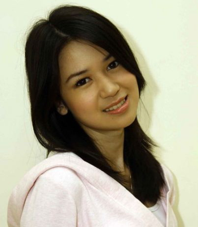 Profile dan Koleksi Foto Laura Basuki