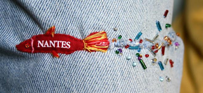 Détails du friselis d'eau sur la couture