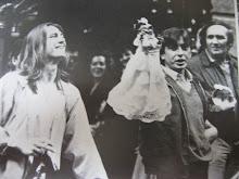 Juan , el capi con ua muñeca