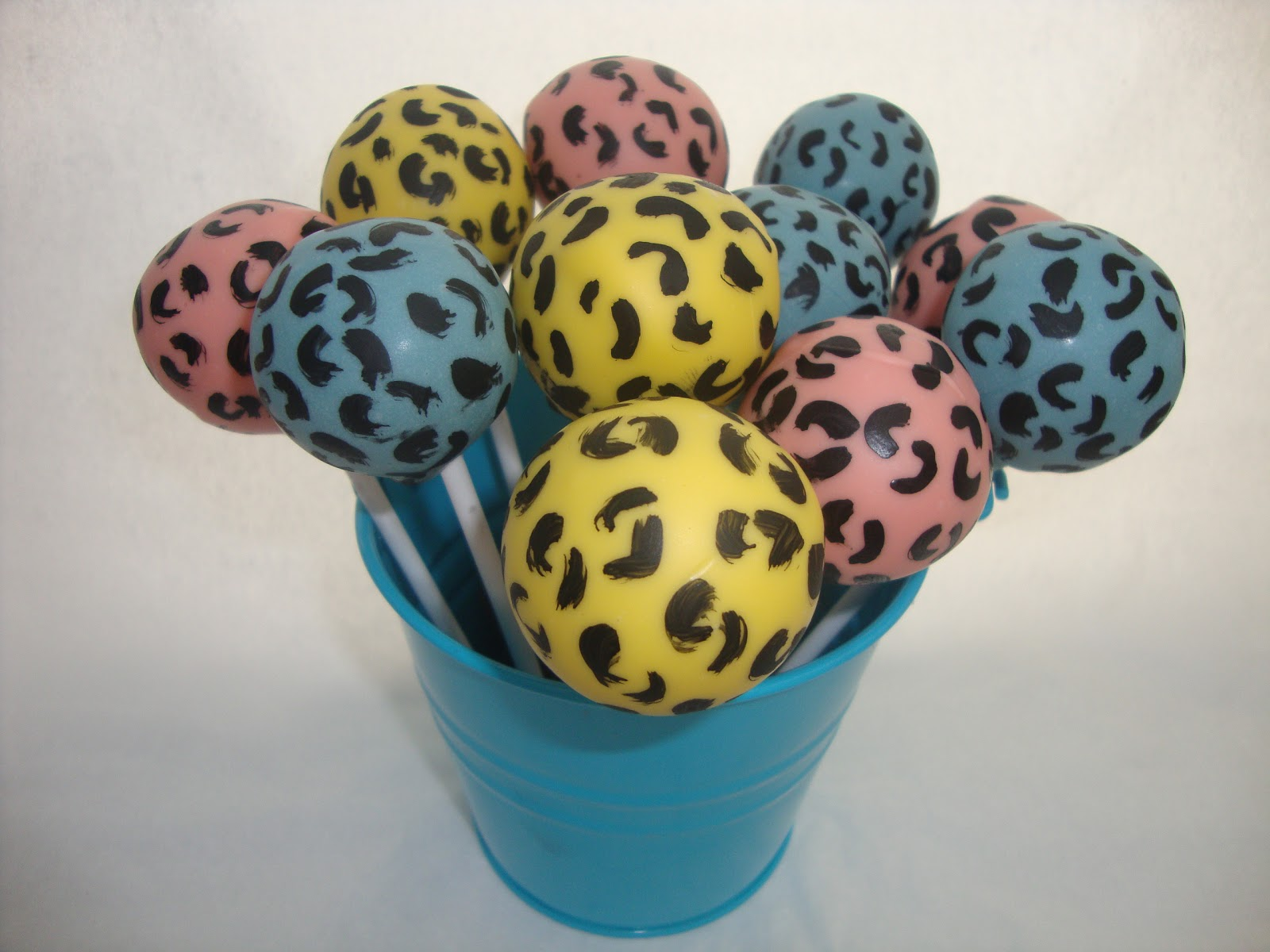leopard print cake pops