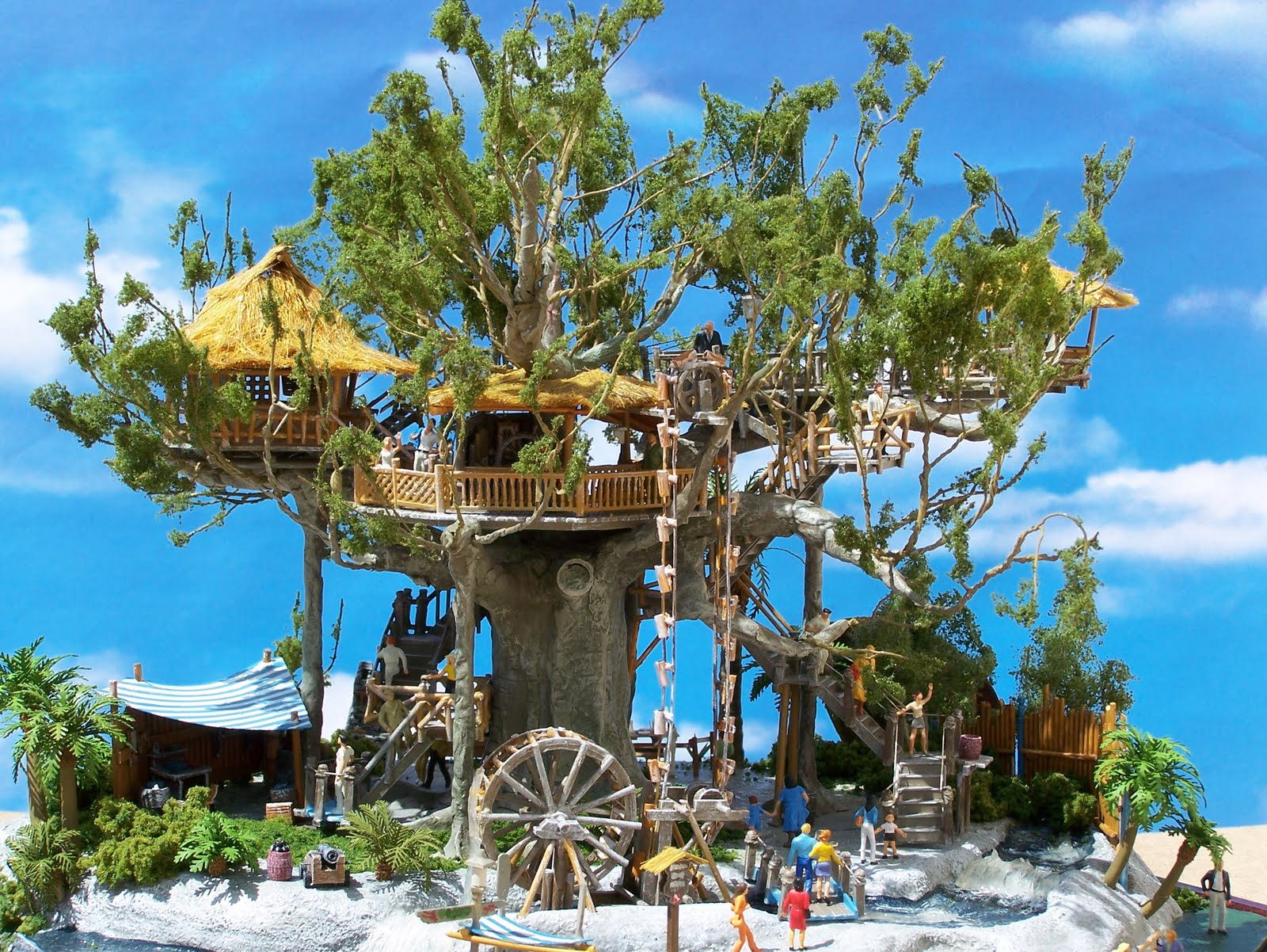 Swiss Family Robinson Treehouse Model