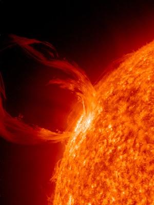 Cea mai noua si mai spectaculoasa imagine a Soarelui
