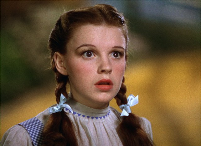 The wizard of oz judy garland e fashion talk for Dorothy gale