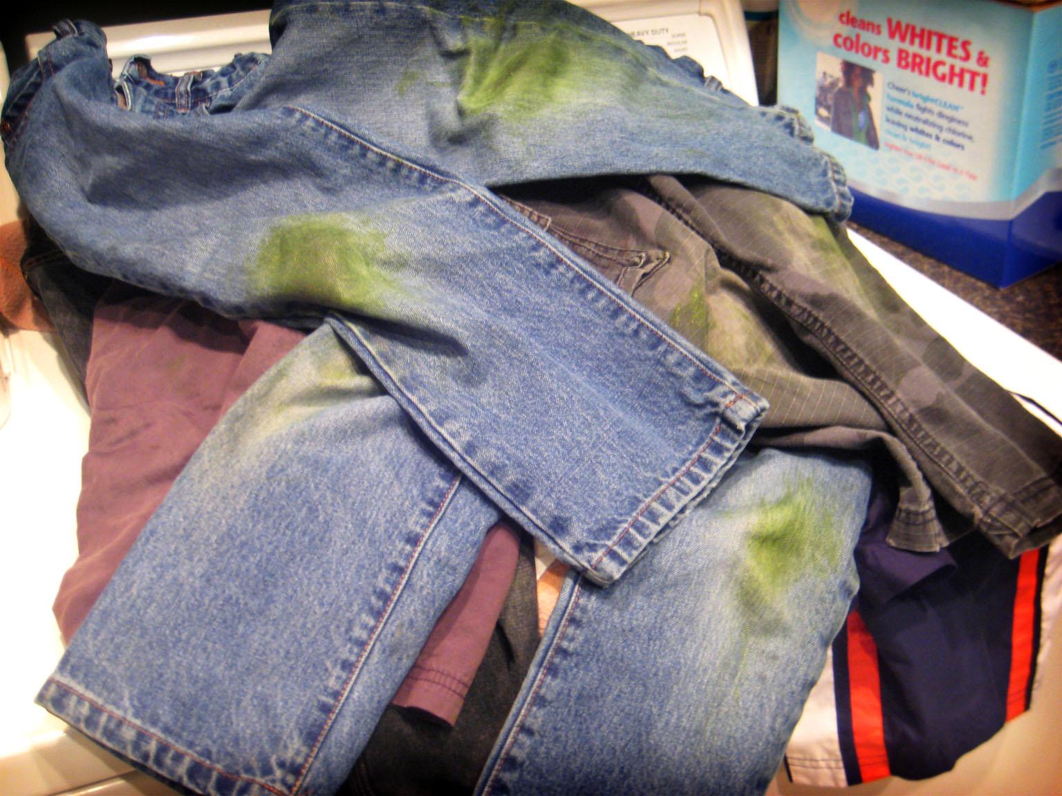 Чем вывести фломастер с джинс