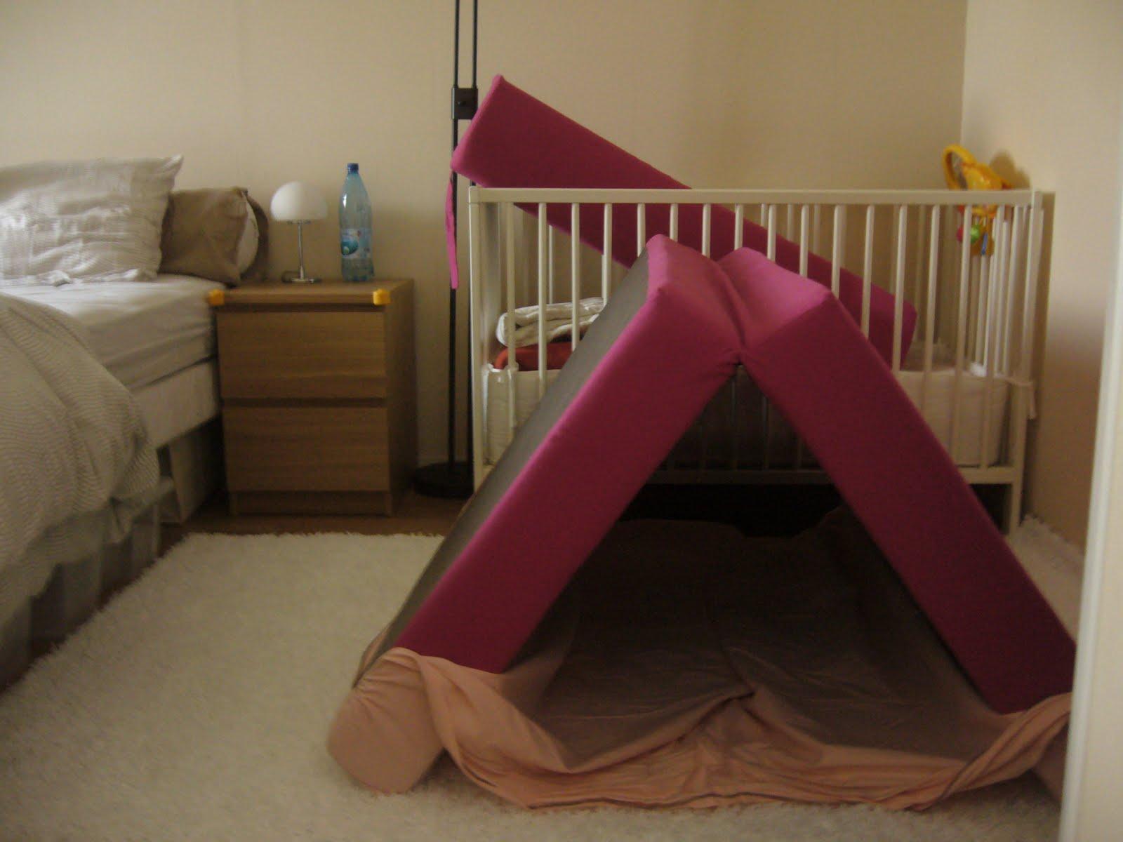 j 39 apprends avec maman parcours de motricit. Black Bedroom Furniture Sets. Home Design Ideas