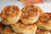 Peynirli Gül Börek