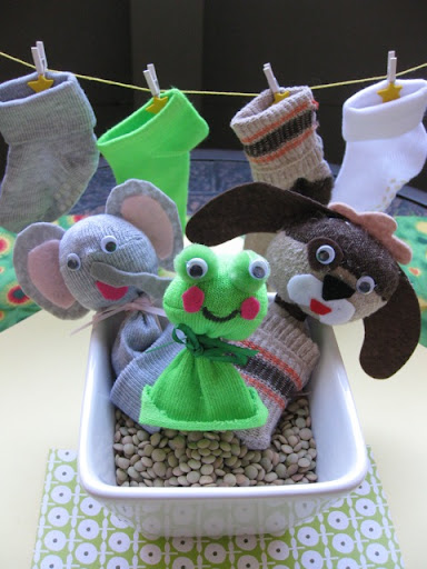 diy finger puppets, baby sock finger puppets, make finger puppets from baby socks, upcycle baby socks, green crafts, green baby, eco-friendly baby