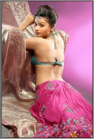 Dimpy Mahajan (Dimpy Ganguly) : Biography & Photos