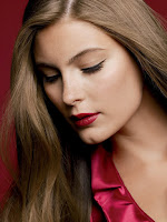 Laura Mercier, Scarlet Passion, promo