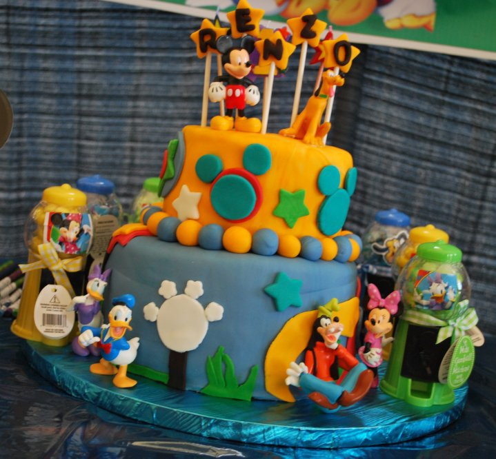 Mickey mouse embroidery cake embroidery. ) así como por Madrid EMPRENDE
