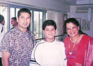 Sachin Tendulkar With his relatives