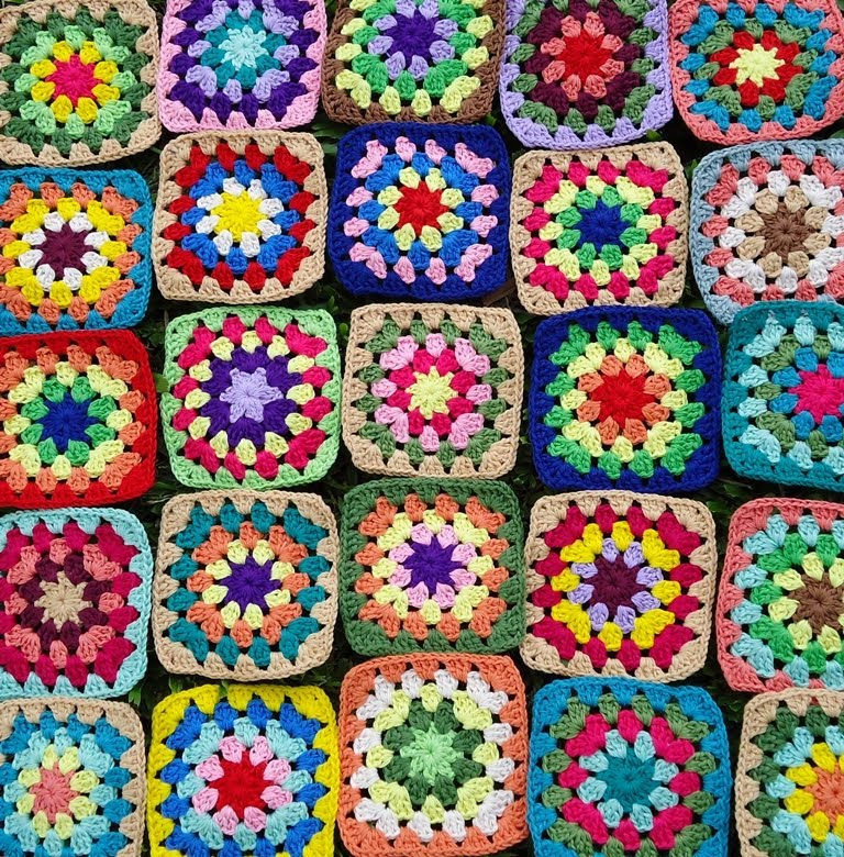 Crochet Basic Granny Square Pattern : Stitch of Love: Crochet Granny Squares: WIP
