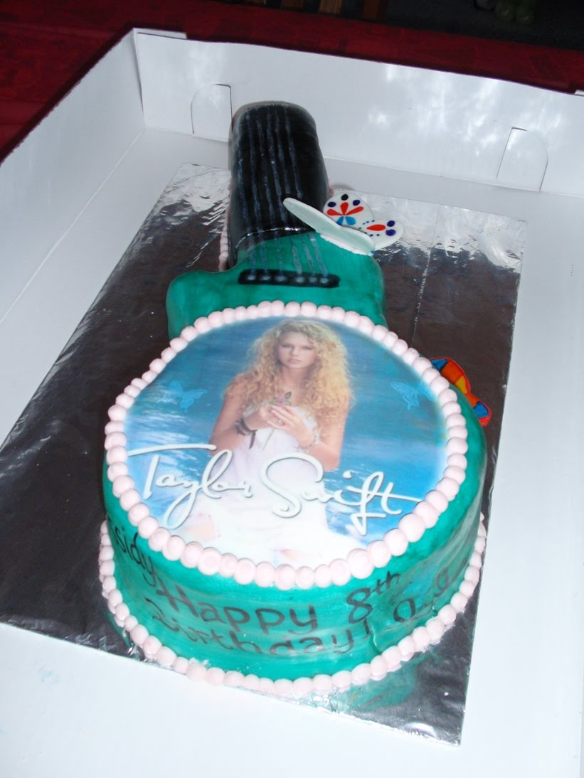 Sarah S Cake Haven Taylor Swift Guitar Cake