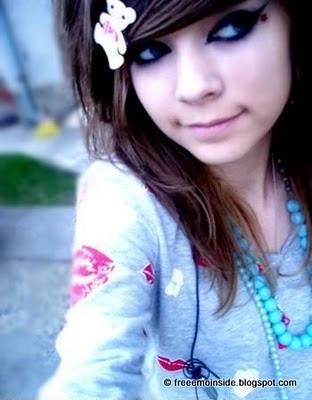 http://2.bp.blogspot.com/__ExSaBHlTss/TKLd-I07VZI/AAAAAAAAAC0/hkhB_EcY_6w/s1600/cute-emo-girl.jpg