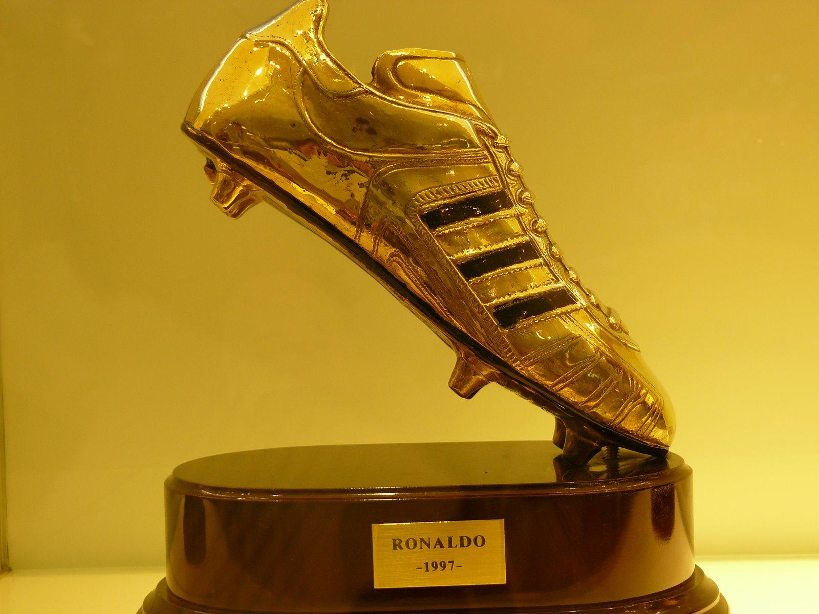 Futbol bota de oro for Que es una beta de oro