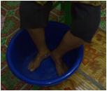 Rendam kaki anda menggunakan produk kami