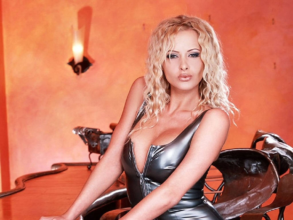 aria latex podkapova zdenka red