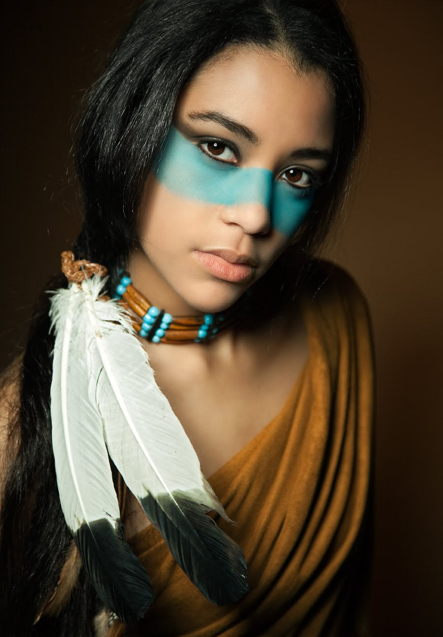 Native American Face Paint Women http://teknalog.blogspot.com/2010/05/photoshop-for-beginners-coloring.html