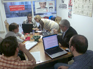 Os compañeiros do PSOE vilalbés en plena campaña electoral do 2007