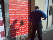 Poñendo Carteis Electorais en Vilalba
