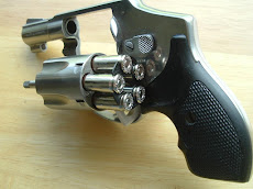 Smith &amp; Wesson 940 9mm Revolver