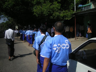 >Public walks for freedom of political prisoners on Burmese Independence Day
