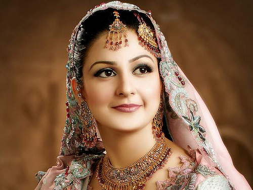 Beautiful Women With Pakistani Wedding Dresses