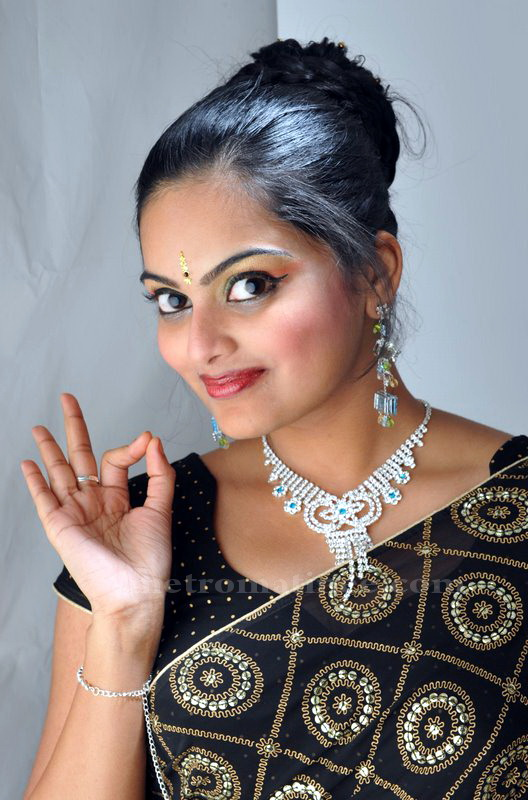 Vishnupriyahot malayalam new faceTV anchorcute snapssexy in saree outfithot exclusive gallery hot images