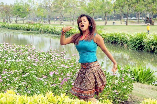 SandhyaKadhalsexy tight boob showwet armpitsseducing hot  gallerysexy photo galleryexposures navel show