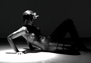 Rihanna-Rockstar-Video-101-Image1