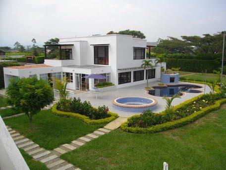 Inmuebles en cali linda casa en condominio en ciudad for Casas en ciudad jardin cali para la venta
