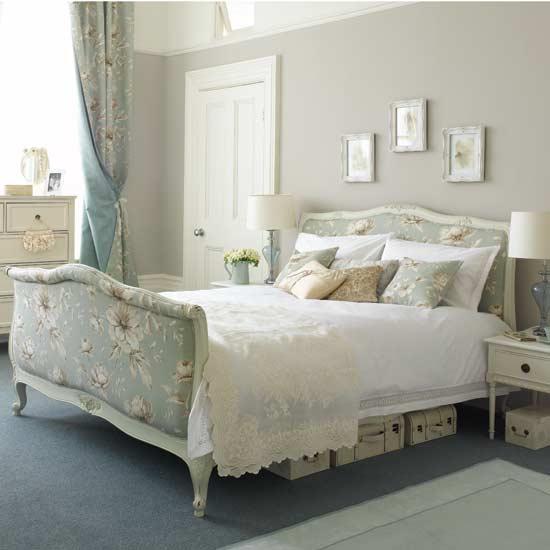 غرف نوم للعروسين White-Bedroom.jpg