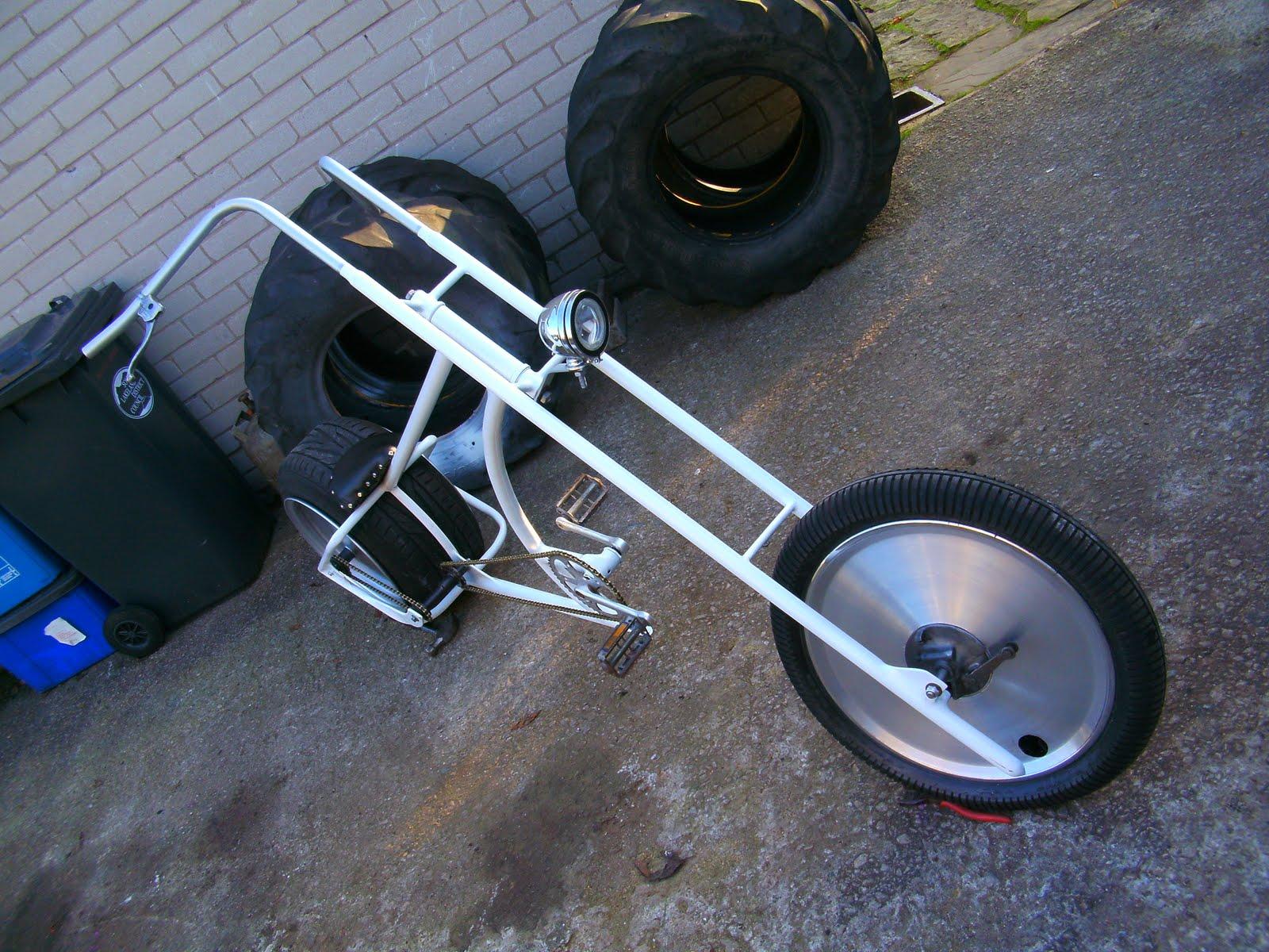 http://2.bp.blogspot.com/__MM5EkTPxAQ/TPeK2mhy_5I/AAAAAAAABA8/fYt_Stv743E/s1600/chopper%2Bbike%2B5%2B005.jpg