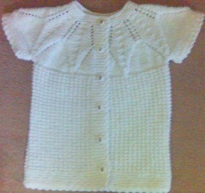 orgulervedantellerblogcdn7 el isi tig isi bebek cocuk yelek ornegi beyaz sade renklerde motifli desenli örgü dantel modelleri