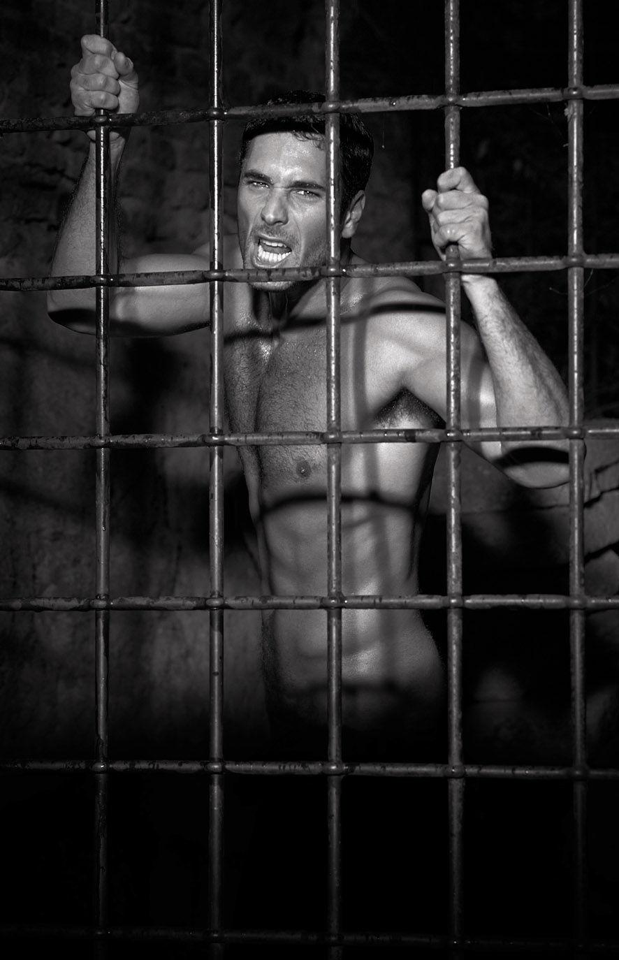 Pics Of Raoul Bova Nude