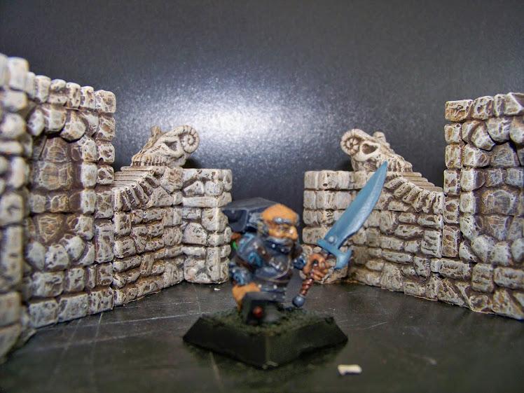 Armurier, compagnie des courts sur patte, Dogs of war