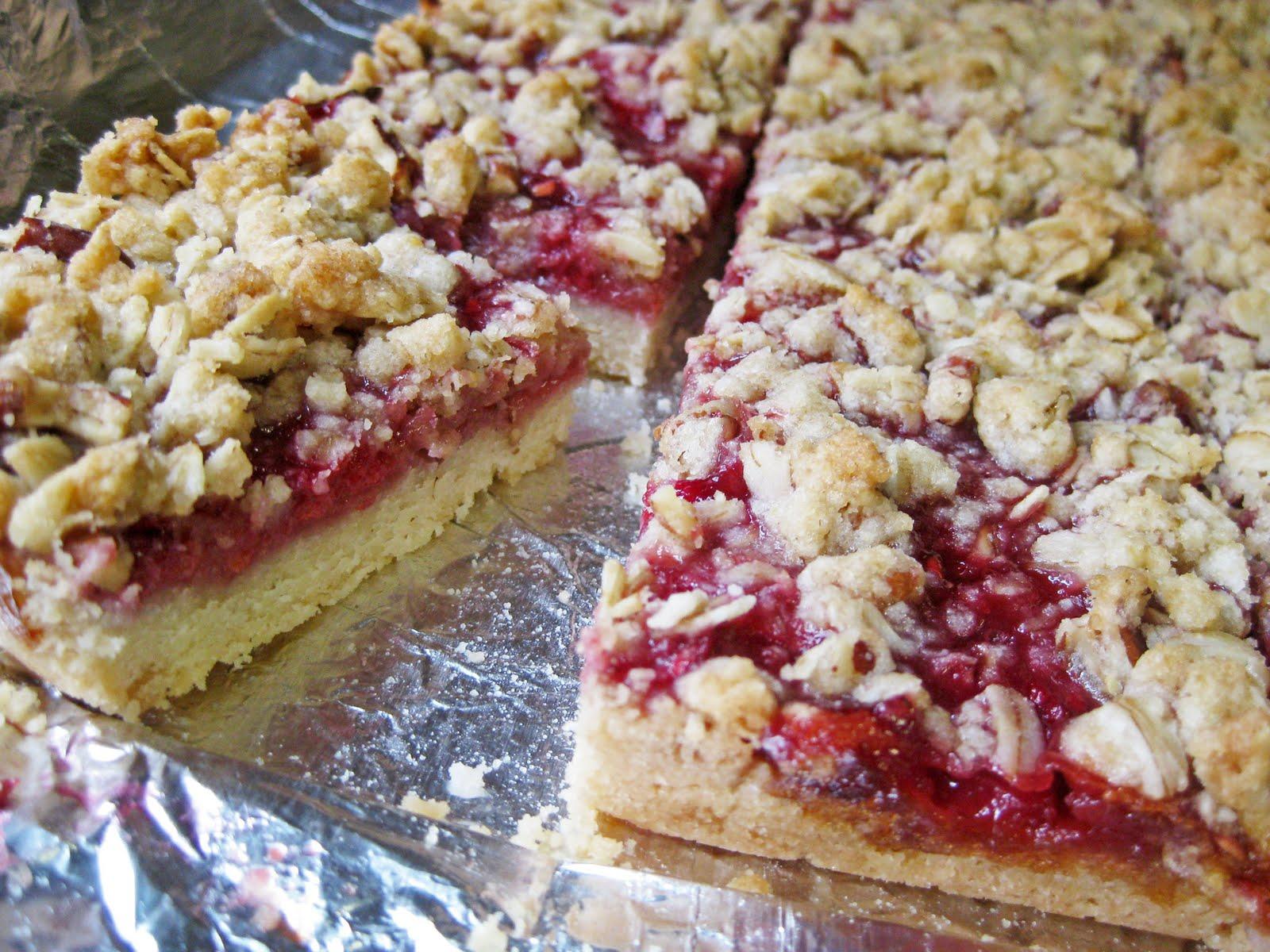 Raspberry Streusal Bars | A Hint of Honey