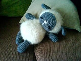 Amigurumi Sleeping Sheep : 2000 Free Amigurumi Patterns: Sleeping Baby Sheep