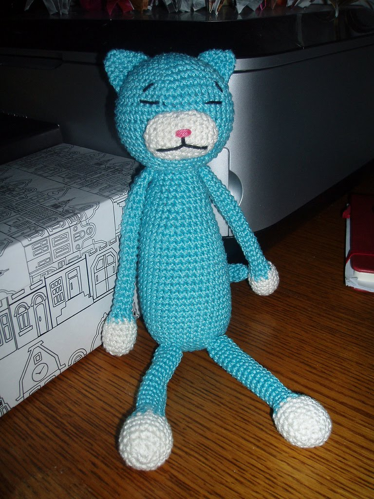 Free Crochet Patterns Cat : 2000 Free Amigurumi Patterns: Big Cat