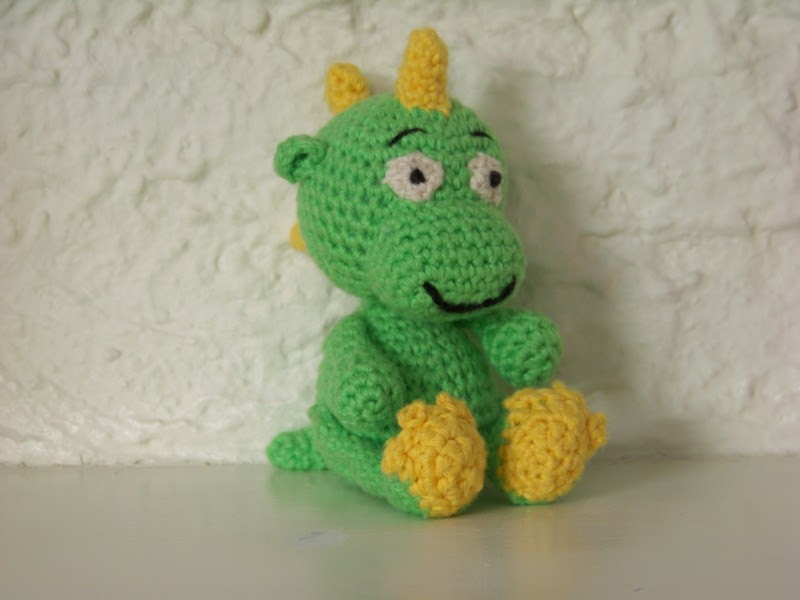 Crochet Patterns Dragon : 2000 Free Amigurumi Patterns: Baby Dragon Dante