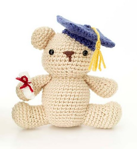 Crochet Pattern Amigurumi Bear : 2000 Free Amigurumi Patterns: Graduation Bear