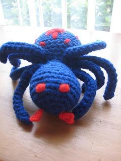 Amigurumi Spider Pattern : 2000 Free Amigurumi Patterns: Spider